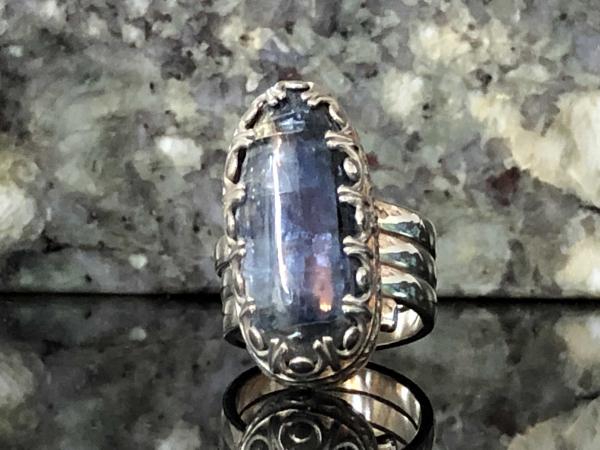 Kyanite Deep Blue Smooth Gallery Crown