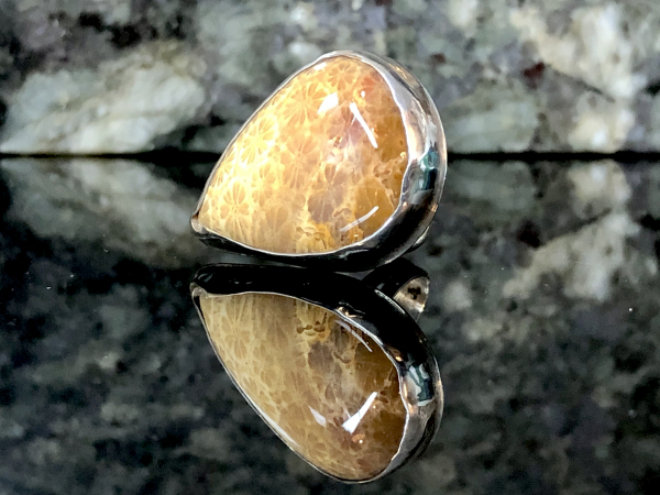 RING SILVERSMITH INDONESIAN FOSSILIZED CORAL & SILVER