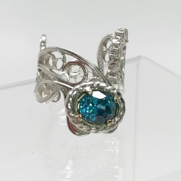 Blue Zircon & Diamonds Filigree Ring